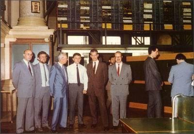 巴可电子公司和巴可工业公司分别于1986和1987在布鲁塞尔证券交易所上市交易