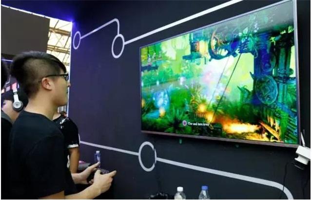 年轻人一直是康得新DEEPub展区里的裸眼3D游戏体验主要群体。