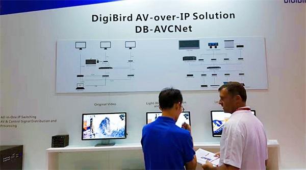 美国IFC展:小鸟科技全系列解决方案亮相海外