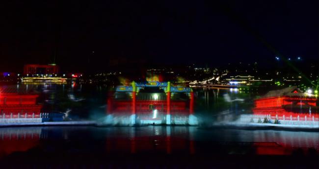 《遵道行义》破世界纪录NEC打造全球最大水幕投影