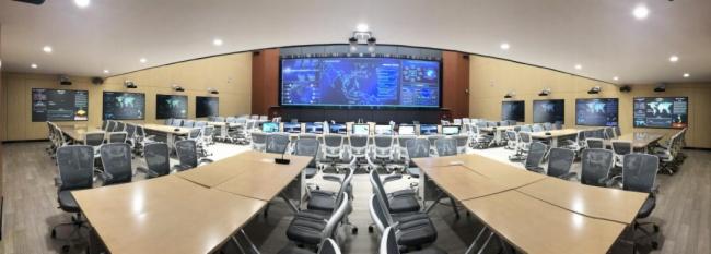 如何用最少的人力管好大型會議室和多會議室集群?