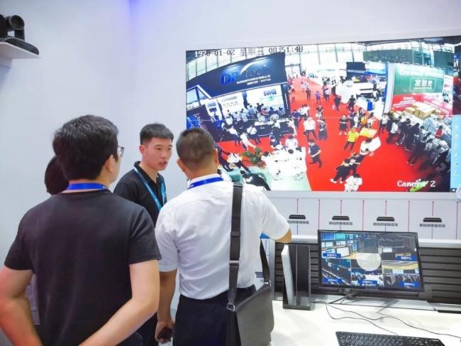 小鸟科技安博会:全新一代的《中国安防指南》