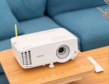 明基智能商务E530,一台边投屏边上网的高亮投影机
