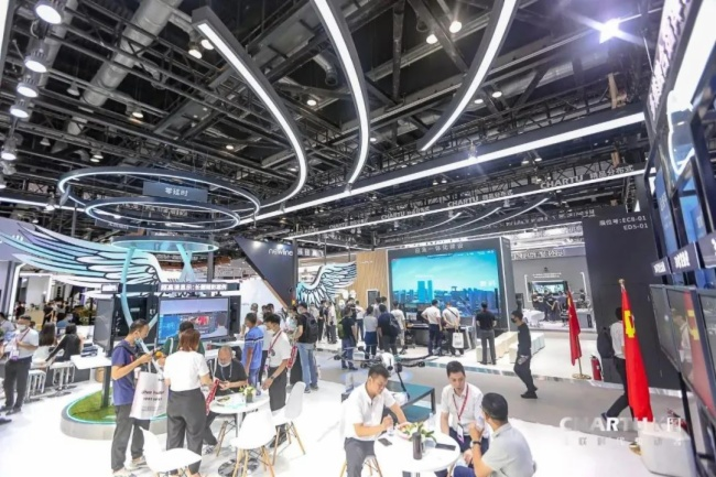 精品盡在長圖|InfoComm China 2021展專訪銷售總監周運善