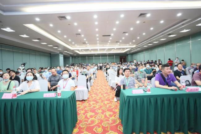 中協智能亮相2021第六屆湖北省教育裝備展示交流會