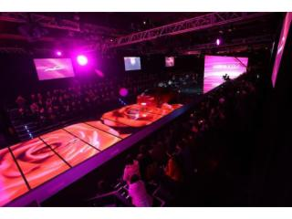 P10.4-LED舞臺地磚屏、LED舞美顯示屏