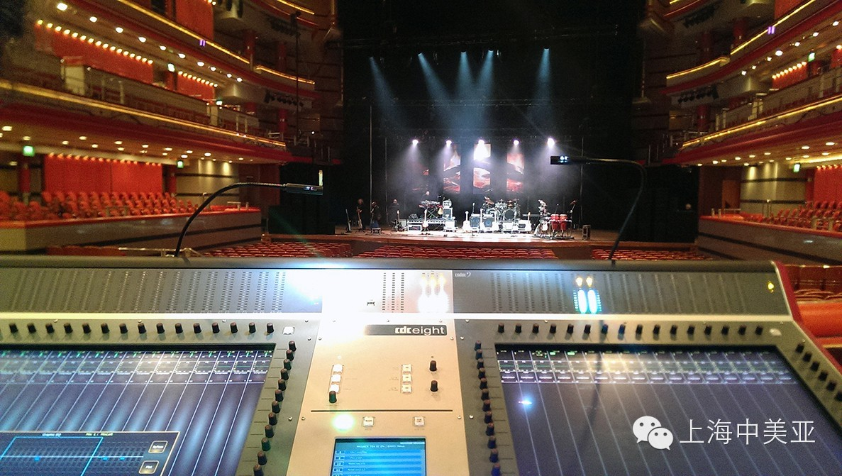 10CC乐队携CDC8首次在英国演出