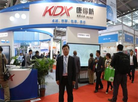 立足商显,建设大屏触控显示生态圈——专访康得新事业部销售经理朱登锦先生