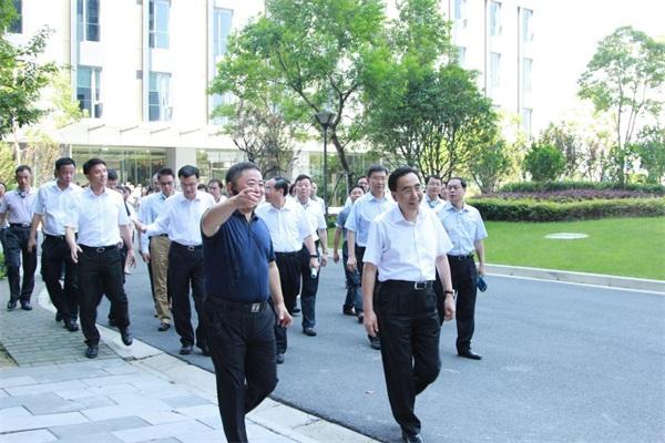 广东省省长朱小丹率代表团莅临华平参观考察