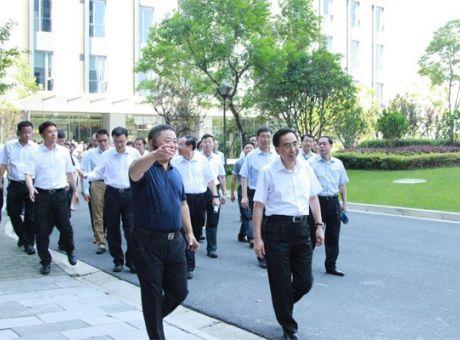 广东省省长率代表团莅临华平参观