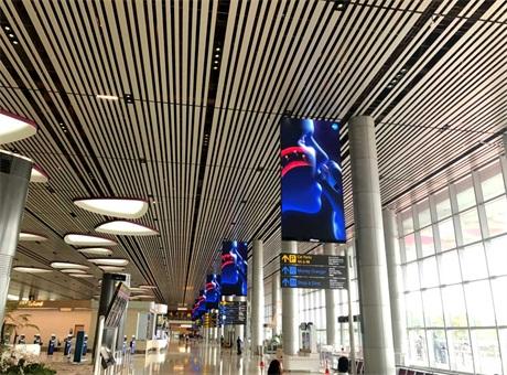 奥拓电子炫彩大屏绽放新加坡樟宜机场