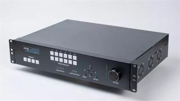 快讯!哈曼发布首款内置互联AV技术的 AMX N7142 演示切换器