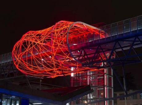 流线型蚕茧灯光装置 | 瑞士 洛桑