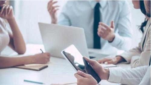 数字标牌改善工作场所沟通的三种方式