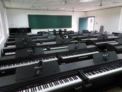 金瑞冠達數碼電鋼琴大班授課系統